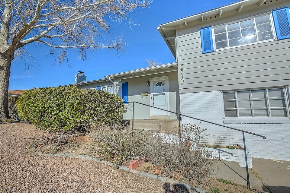 One owner Mossman home in Altamont Subdivision. Close to Uptown and  shopping. Home features living room with wood burning fireplace, formal dining room, kitchen with breakfast nook, light and bright. Original wood floors throughout.  Landscaped front and back, laundry room with half bath for downstairs bedroom and recreational room. Covered patio in the backyard is nice for entertaining! Check out the in-ground pool- completely enclosed. Newer roof, HVAC, paint, fence, exterior paint. Come make this your beautiful home!