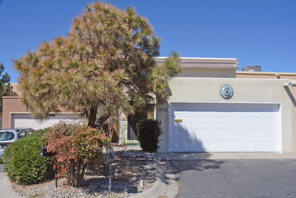 Awesome Townhouse in Chimney Ridge! Great for singles and families!  2 master suites (one up/one down). 2 living areas (one up w/FP, wet bar and balcony could be 3rd B/R). Updates include: recent Wtr. Htr., thermal windows, refrigerator. Don't miss the fabulous pool and clubhouse right out your back patio gate!  Inspection done and repairs completed. Ref. air, stainless steel appliances, formal D/R plus breakfast nook. Close to golf course, shopping, freeway access. HOA covers: roof, stucco, water/trash, clubhouse, pool, gym, front landscaping. Carpet allowance.