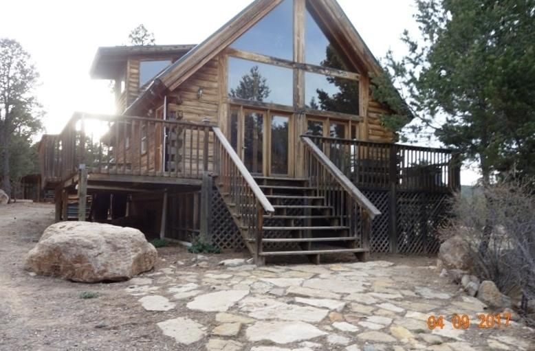 LET'S GET MOVING!! Great mountain Home in need of a NEW OWNER TODAY!! Views, Privacy,EZ access, READY TODAY!! Please go see Today, Write the P/A  and LET'S GET MOVING!!