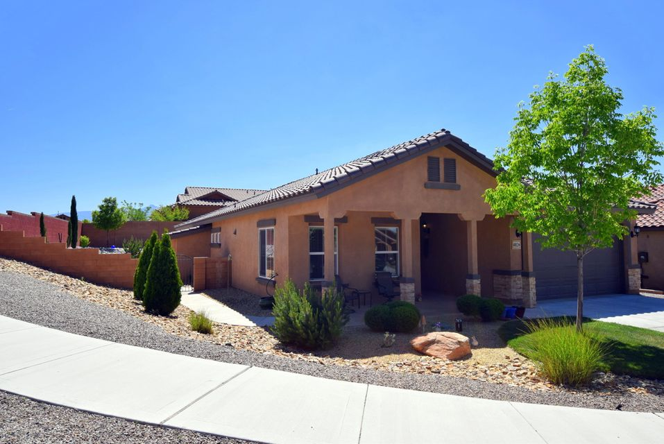 PRICED TO SELL> This gorgeous, well maintained 4BR Pulte home is situated on an extremely private corner lot in Loma Co. You will be impressed as soon as you enter this 4 BR beauty. The huge open & bright great room is just off the oversized kitchen & breakfast nook. The bright kitchen incl a center island for food prep & a large family dining area/breakfast nook. Plenty of kitchen cabinetry & storage/pantry. Oversized master w amazing windows & light & an en suite bath  sure to impress with an elegantly redone shower, dbl sinks & upgraded glass doors. Huge walkin closet will store all your clothes w ease. 3 more BR separate from the master w their own Full bath. The backyard is so private. Bring the family & friends! Fully landscaped, must see Covered patio & side storage built in