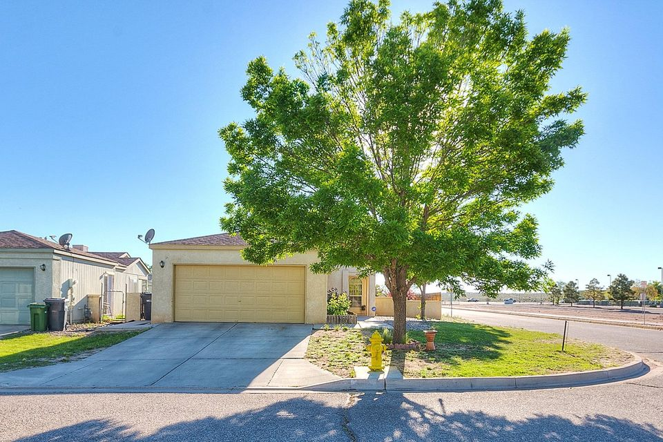Corner Lot across from open space.  Colinas Del Norte Elementary School across the street.  This home is show ready.  Beautiful black appliances, wood floors, carpet.  Large back yard. Polybutalane Pipe has been resolved/replaced.  City Inspected and passed.