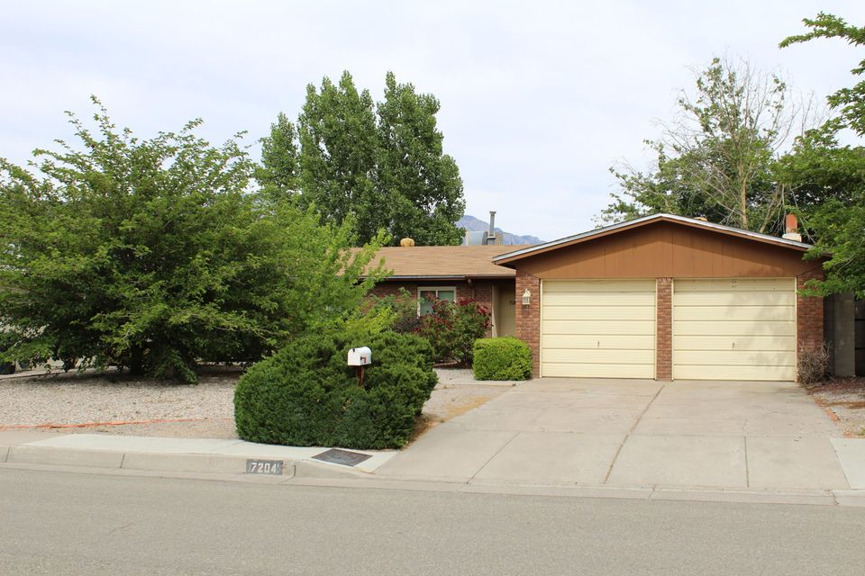Well cared for home in a great location.2 living areas, formal dining room, newer carpet, new door to the back yard,newer windows. tiered backyard that's easy to maintain. Wood burning fireplacefor those cold evenings. Must see to appreciate.