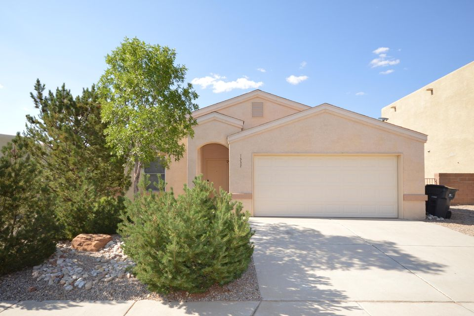 Located on a quiet cul-de-sac, this lovely home is in move in condition. Spacious greatroom has gaslog kiva fireplace and ceiling fan. Kitchen has builtin microwave and gas stove. Three bedrooms including master bedroom with walkin closet. Fully landscaped, low maintenance yard with open backyard patio.