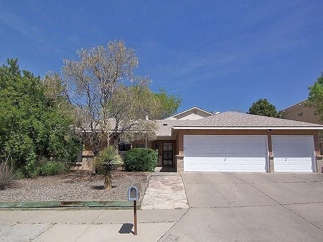 Need space? Great 5/6 bedroom family home w/outstanding pride of ownership in desirable La Cueva school district, plus an oversized 3-car garage & 28x14 workshop/boat garage! RV parking too! Huge noise-insulated family room with space for ping pong/gaming/hobbies! Remodeled kitchen with beautiful cabinetry featuring soft-close drawers & pull-out shelves (cabinets refinished throughout home to match). Master bath features hydro spa & dual shower heads. Great teen quarters upstairs: two private bedrooms w/access to outdoor wrap-around deck, mountain & city views. New roof 2/17. Lush backyard w/fenced dog run, raised gardens & established lawn/trees. 240-volt electrical in garage & workshop for the power tool enthusiast! Great location, close to arroyo open space, parks, schools & shopping!