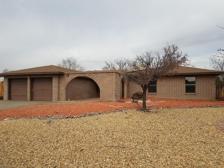 Great neighborhood and nice corner lot.  This home features a nice open floor plan, fireplace, and unfinished addition.
