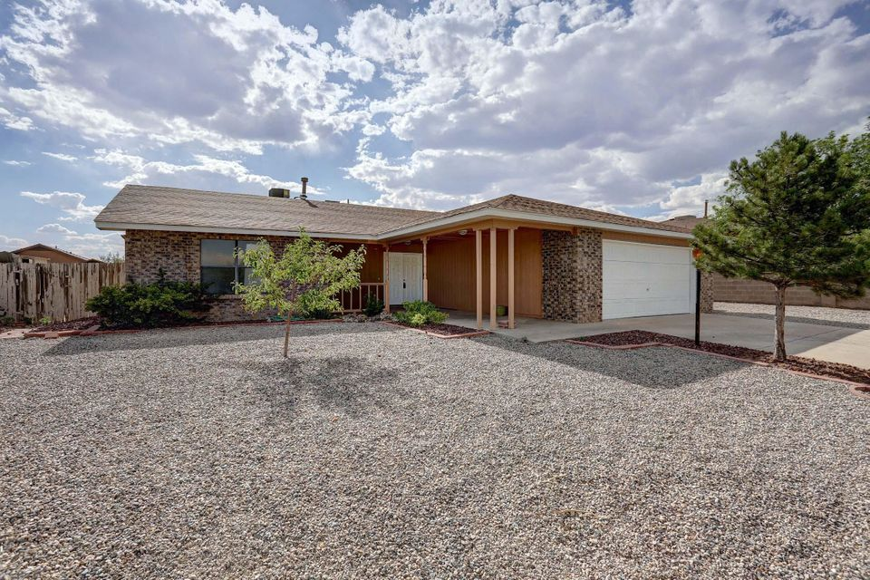 Nice remodel.  New Roof, New furnace, New refrigerated air, New granite counter top, New Paint, New Carpet, New Stainless Steel Appliances.  Backyard access.  Move in Ready!