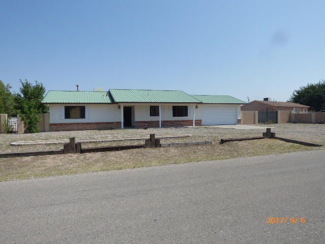 What a great location  with a country feel  With almost half acre lot thereHomes For Sale in Albuquerque  NM 87121   Venturi Realty Group. 3 Bedroom Houses For Rent In Albuquerque Nm. Home Design Ideas