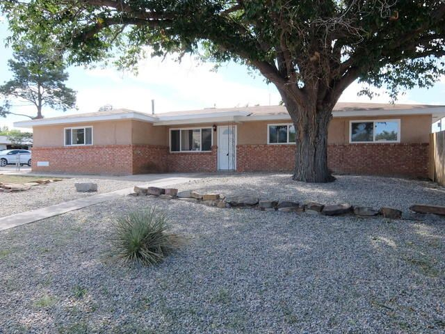 Wonderful 3 bedroom 2 bath home, 2 separate living areas, one with fireplace. New stainless steel appliances, stove, dishwasher, microwave. New carpet, backyard access and gated.