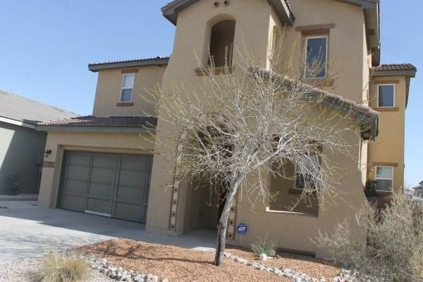 welcome to this fabulous property there is a formal living and dining room with a