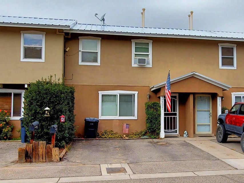 Quintessential North Valley townhouse! Guadalupe Village is an oasis in the heart of the city. Updated 3 bed, 1.5 bath in unbeatable location. Updated kitchen opens to xeriscape backyard. Updated bathrooms too! Just across the street from the private park. Newer master cool and furnace. HOA of 100 per month covers roof, exterior, streets, parks and fences. Easy access to shopping and hiking. The perfect combination. See it today!