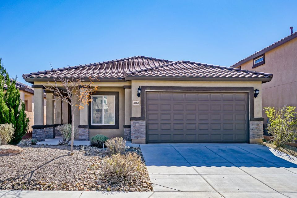 Well cared for home in Loma Colorado, with upgraded features that include: Granite kitchen Counter tops, Seneca Ridge Cherry kitchen cabinets, Covered patio, 9' interior ceilings, Pre-wired for Satellite and audio surround sound, Security system, Fireplace, and carpet/tile.Other features include: wood blinds, his and her walk in closets, and pitched tile roof.