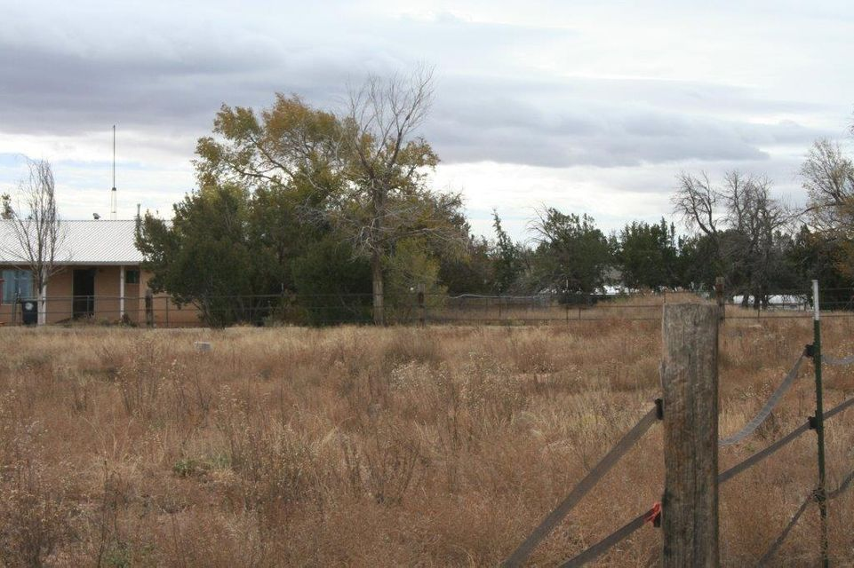 Lots of possibilities on this 3 acre property, This baby will need a little TLC but great potential. Horses welcome!Add your own touches, make this your home