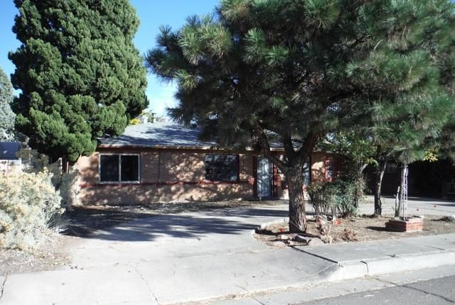 "Proudly presented by Sage Acquisitions.  Owner Occupant bids accepted thru 11/26 @ 10:59 PM MST. Offers reviewed 11/27 if no offers are accepted Owner Occupant bids reviewed daily thru 11/30. Sold AS-IS w/all faults. No pre closing repairs or payments will be made for any reason. Home is eligible for FHA financing w/$4,500 repair escrow. ""Insurability subject to buyer's new appraisal."" For Utility Turn Ons: Approval must be granted in advance from HUDs Field Svc Mgr. In cases where plumbing deficiencies exist approval for water turn on may be denied. Review PCR for utility turn on information. PCR is not to be relied upon in lieu of a home inspection. **Garage has been converted, unknown if it was permitted. Conversion sq ftg NOT included in total sq ftg**"