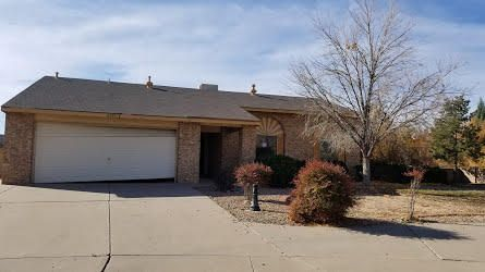 Excellent price on a 3 BR 2 BA Rio Rancho home at a great location! Nice floorplan and located in a cul de sac with mountain views. Large yard featuring backyard access.