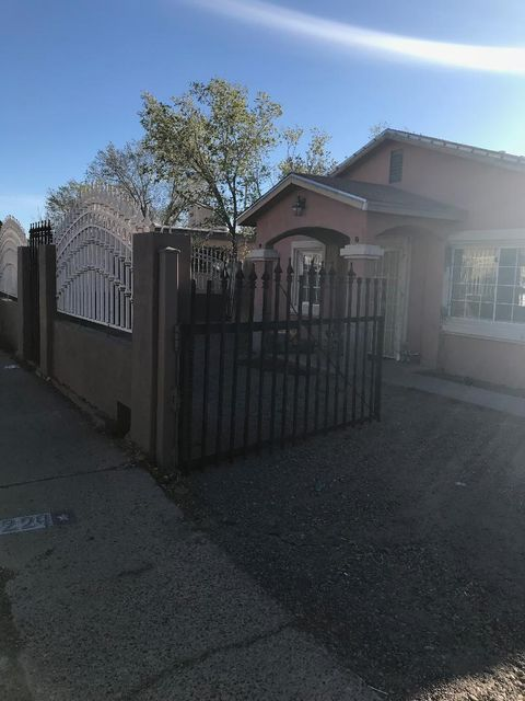 Spacious 3 bdrm home that boasts great yard with ample room.  Custom tile, venitian plaster, security wrought iron make this a great starter home.  Seller's are willing to give a $750 carpet or flooring allowance at time of closing.  Ready to make a deal.