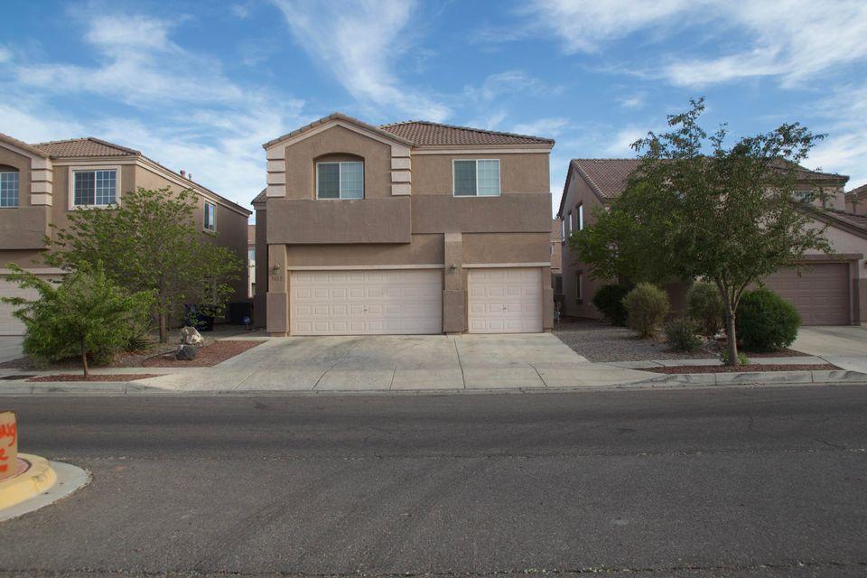 Large 6 bedroom 4 bath Long ford home located in the Santa Fe Trails subdivision! This beautiful home will not last long, come see why for yourself!