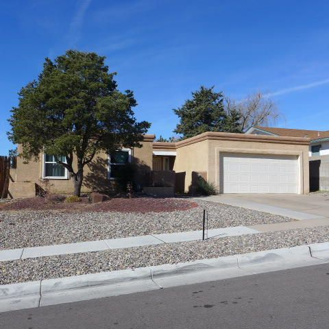 Recently Updated includes newer windows, newer tile, carpet, newer heating system, newer cooler, newer roof, newer water heater.  Separate Dining Area, Breakfast area, Very Large Master Suite with Sitting area.  Large Patio off Kitchen, Large Service Room with PantrySpace, Skylights, Ceiling Fans, Nice Built ins...Lovely one level home with open floor plan....Lock Box located on the gas meter on the North side of the house.....