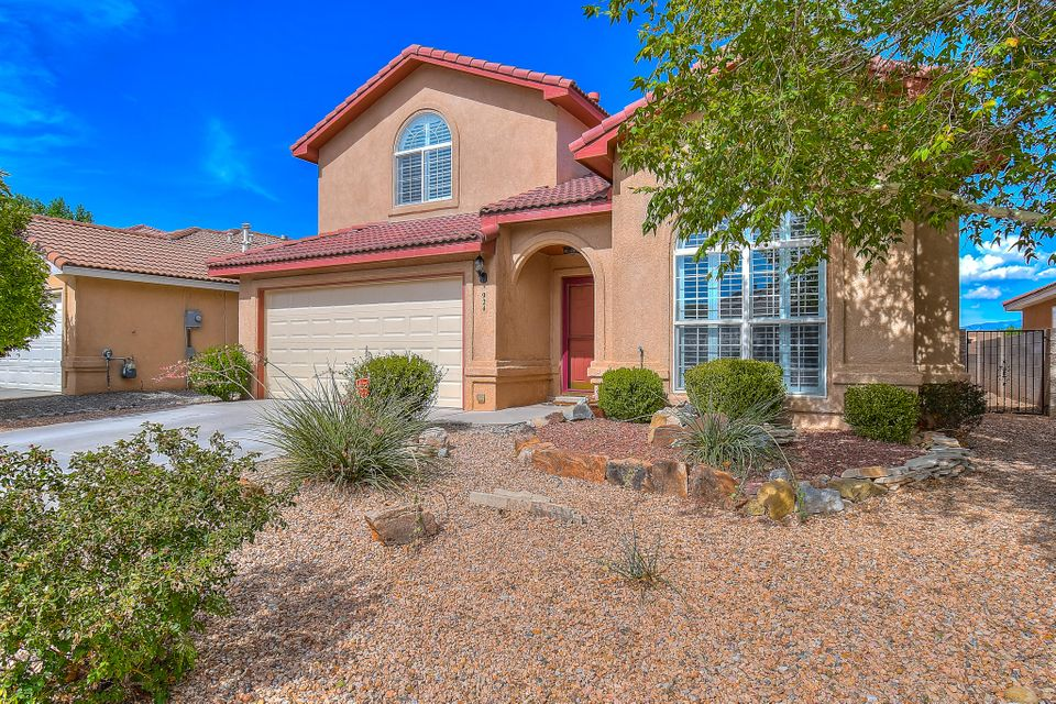**Buyer Credits up to $3000**Special Financing Available-SAVE THOUSANDS!!** Welcome Home to the Beautiful Sundoro Neighborhood! Enjoy the Expansive Floor Plan which offers 4/5 spacious bedrooms, 3 bathrooms, 3 Living Areas, 2CG, a generous-sized bedroom with 3/4 bath en-suite on the main level make a great guest space! REFRIGERATED Air, Bamboo Wood Flooring & Much More! The Kitchen offers Generous Cabinet/Counter Space, Island, Pantry, & Double-Oven Range! Upstairs You'll Find a Spacious Master Suite with a Study and Spectacular Views from the Private Balcony, Luxurious Master Bath w/Double Sinks, Garden Tub & Separate Shower. Huge Walk In Closets! This lot sits above the homes to the East and overlooks a quiet cul-de-sac. Truly a Private Retreat with EVERY Comfort you DESERVE.