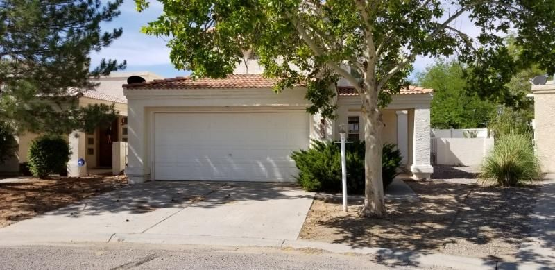 Come take a look at this great opportunity! Home needs work however priced accordingly! Beautiful Rio Rancho Location On A Quiet Cul De Sac Lot Within Short Distance To The Golf Course. There Is A Seperate Master Suite On The Lower Level With Spacious Open Floor Plan Great Natural Light Throughout. The Backyard Is Large and Very Private! Come take a look!