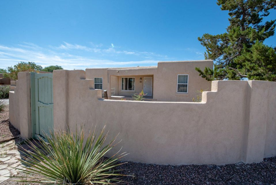 Updated home close-in North Valley perfect for a growing family. 3 Bedrooms, 2 Baths, Hardwood Floors, Refrigerated A/C, New Stucco, TPO Roofing, Updated Windows, Over Sized Detached Garage on Large Corner Lot with Backyard Access.