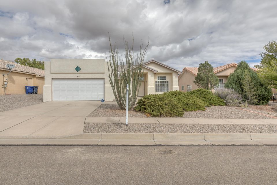 Beautiful hard to find 4 bedroom single story in NW Albuquerque.  Don't miss the contemporary updates in this gem. Bamboo floors, stainless kitchen appliances, silestone counters, refrigerated air, updated hall bathroom, recirculating hot water, vaulted ceiling, ceiling fans, designer paint colors and all in a convenient location. Call today for your private tour.