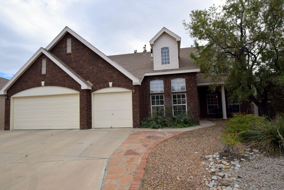 This gorgeous updated Sivage home features refrigerated air, tank-less water heater, kitchen has Corian counter tops, stainless steel refrigerator, microwave oven, Jenn-Air oven, ceramic cook-top, wood flooring in Greatroom, formal living room, formal dining room, new carpet all bedrooms and den. Master bath has new granite vanity, new tile around garden tub and shower. Home backs to Parkwest Park. This home is move in ready.