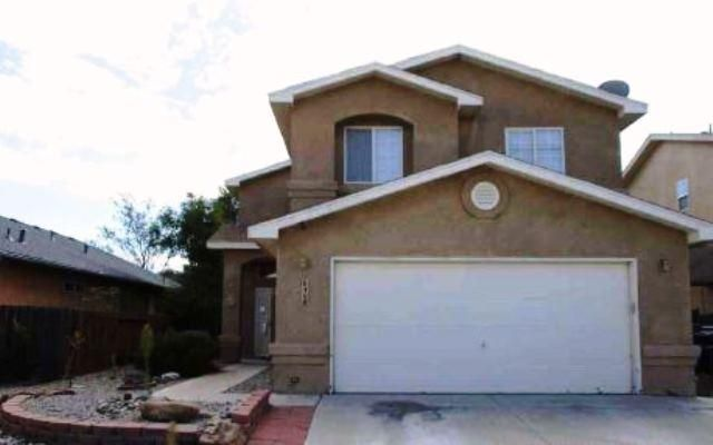 Nice 2 story home in a great neighborhood. Property has a great layout including4 bedrooms, 2.5 baths, a nice kitchen with breakfast bar that opens to anexpansive living room. Backyard has a nice patio cover and is a clean slate todesign your outdoor oasis.