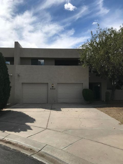''Only an owner occupant or non-profit may purchase this property within the first 21 days of it being listed. This restriction will be over on 11-19-18.'' Excellent opportunity to buy this wonderful townhouse in the beautiful Tanoan community.  House has recently been updated with new carpet, new paint, new Kitchen appliances