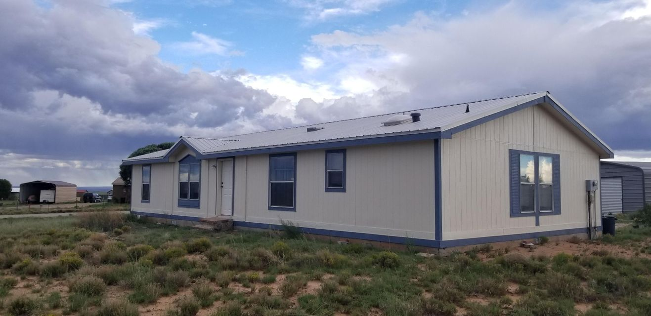 Move-in Ready, single owner, non-smoker, non pet owner. Cared for and well kept 3 Bed with a study off the master, 2 bath, large spacious kitchen.  Dining area off the kitchen open to the living room. Views in all directions, secluded yet minutes from Abq.