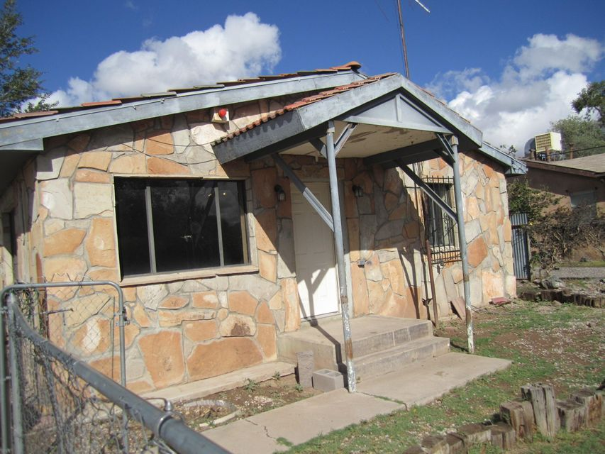 This home is in handyman condition-seller will not pay for inspections or do any repairs-priced accordinally. Square footage does not include a shop in the back of897sf and a metal garage of 336sf