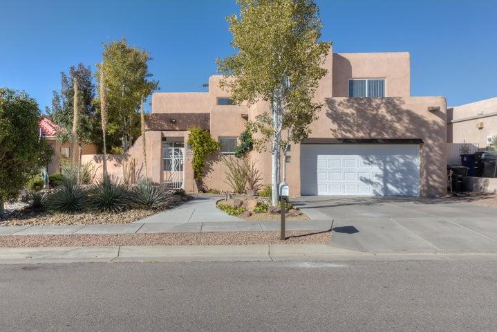 9019 Corona Avenue NE, Albuquerque, NM 87122