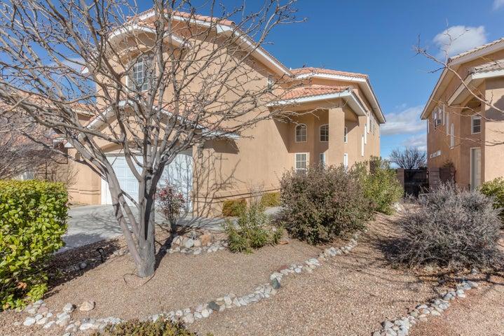 7109 Boxwood Avenue NE, Albuquerque, NM 87113