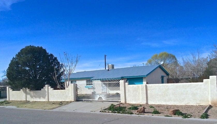 1727 Laney Avenue SW, Albuquerque, NM 87105