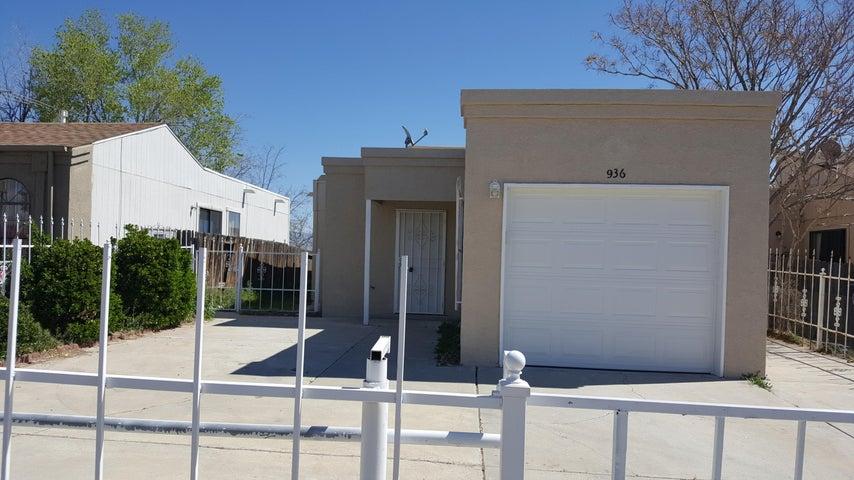 936 W Sky Street SW, Albuquerque, NM 87121