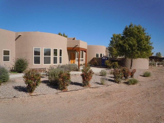 941 Camino De La Tierra, Corrales, NM 87048