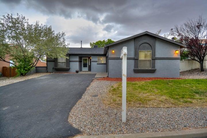 1370 Golden Eye Loop NE, Rio Rancho, NM 87144