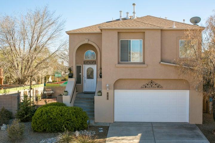 6104 Azuelo Avenue NW, Albuquerque, NM 87120