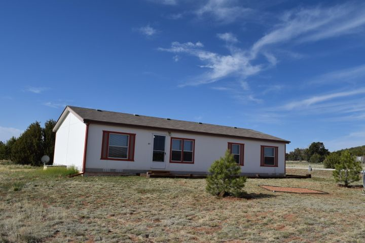 64 Woodland Hills Road, Moriarty, NM 87035