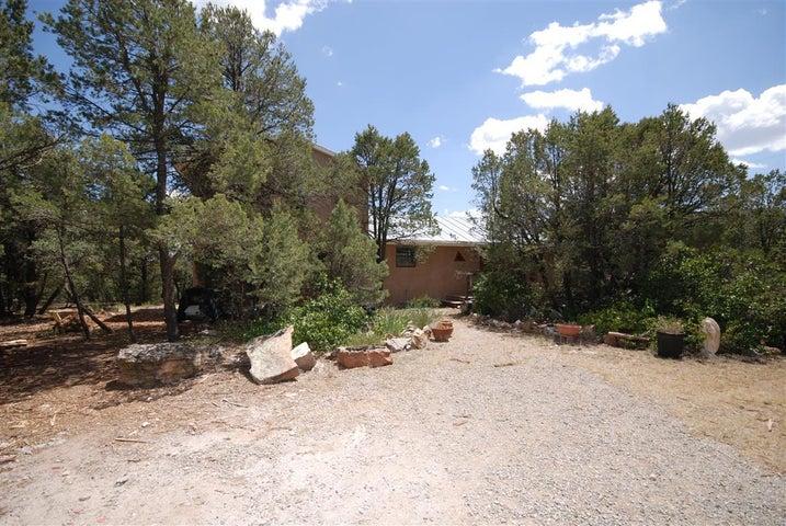 19 Villa Del Monte Lp Loop, Tijeras, NM 87059