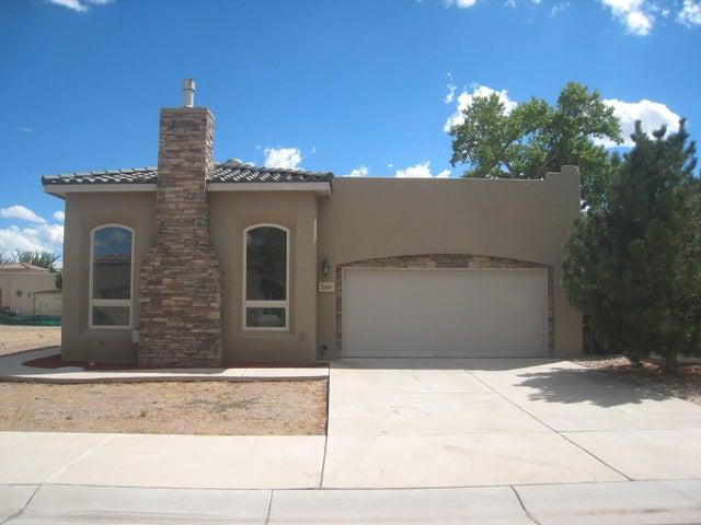 1340 Valle Lane NW, Albuquerque, NM 87107