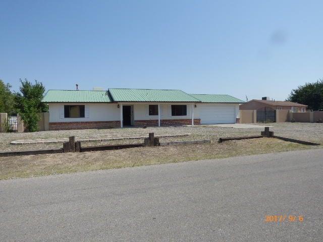 5704 Donna Marlane Drive SW, Albuquerque, NM 87121