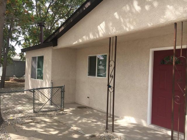 6229 Dennison Road SW, Albuquerque, NM 87121
