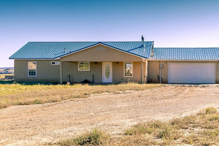 4 W Reina Court, Edgewood, NM 87015