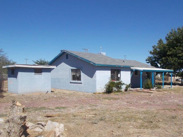 5337 Winchester Road SW, Albuquerque, NM 87121