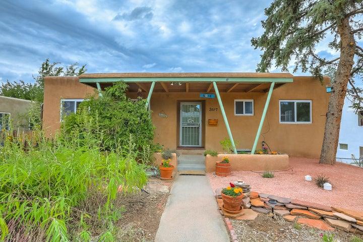 3027 San Rafael Avenue SE, Albuquerque, NM 87106