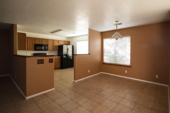 2805 52nd Street NE, Rio Rancho, NM 87144