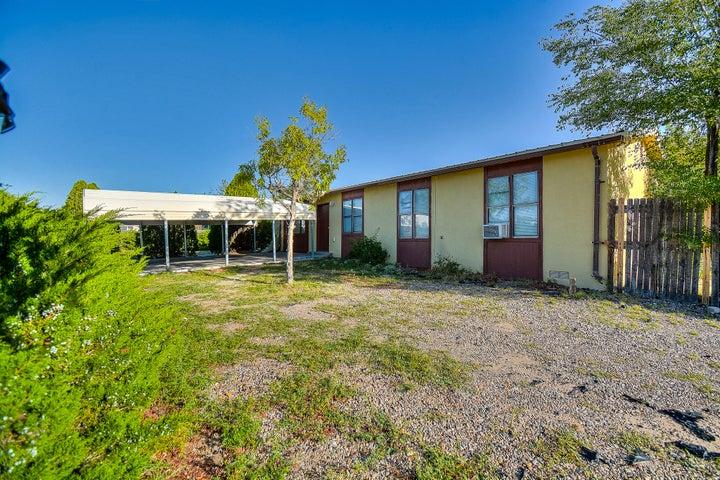 5728 Donna Alberta Drive SW, Albuquerque, NM 87121