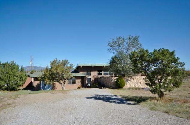 15 W Church Street, Edgewood, NM 87015