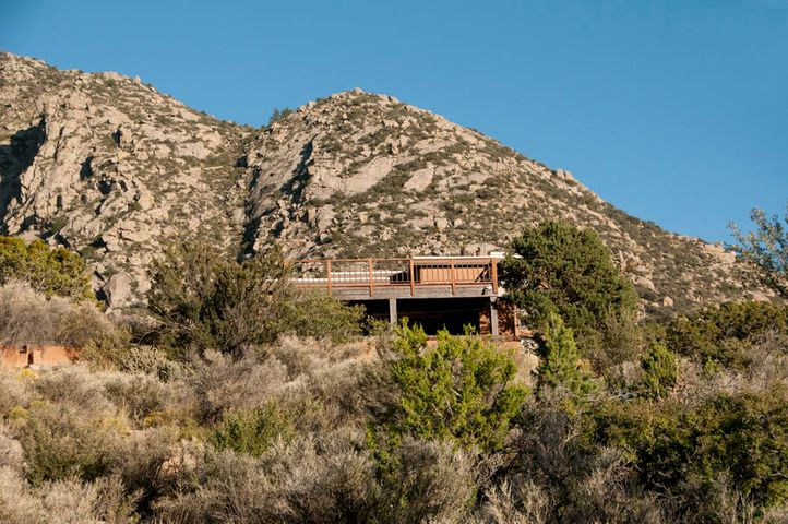 3 Tierra Monte Street NE, Albuquerque, NM 87122
