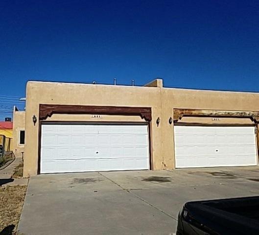 623 Desert Road SW, Albuquerque, NM 87105